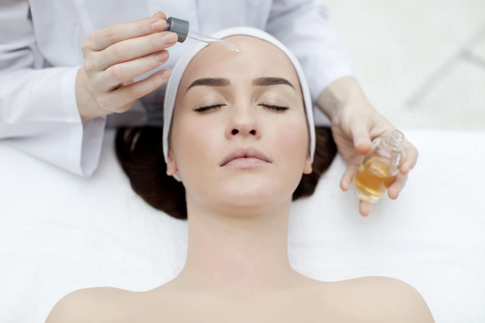 טיפול הידרדרמי - לחות ומיצוק